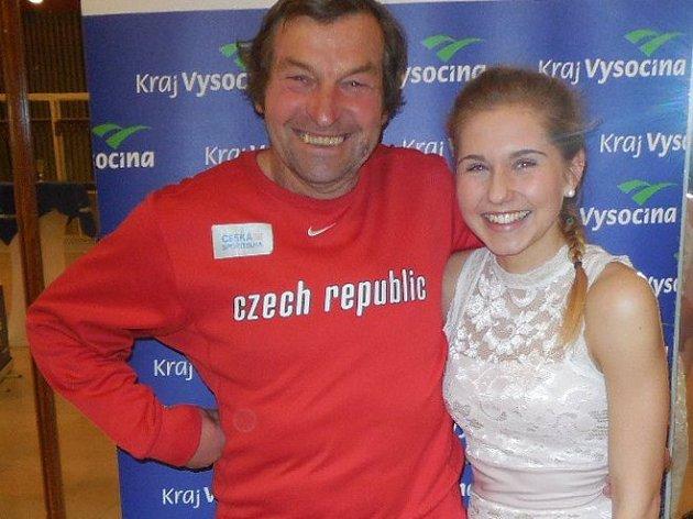 Atletka Kateřina Pulgretová a trenér Petr Hubáček starší.