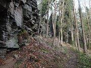 Opakovaně bude na jaře vyhlášena přírodní památka (PP) Rozštípená skála, a to i přesto, že již řadu let přírodní památkou je.