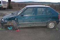 Nedání přednosti v jízdě bylo příčinou dopravní nehody dvou osobních aut nedaleko obce Lísek na Žďársku.