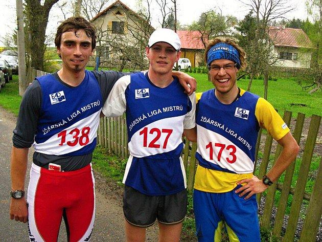 Zleva Jiří Ročárek, vítěz Jan Klement a Matěj Rajnošek.