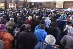 Kolem čtyř stovek lidí z Křižanova a okolí demonstrovalo 27. prosince na tamním nádraží za obnovení zastávek rychlíků v tomto městysi v nejbližším možném termínu.
