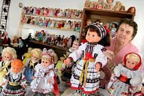 Panenkám ve staré škole v Bobrové vdechla život Marie Roháčková.