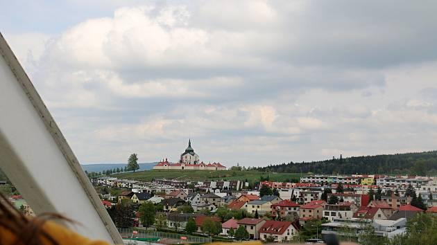 Víkend přinesl dvojí pohled na město z ptačí perspektivy