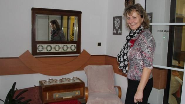 Hluchá místa v Domě s pečovatelskou službou v Novém Městě na Moravě byly zaplněny nábytkem a drobnostmi, které bývaly pro dříve narozené naprosto běžnou součástí života.