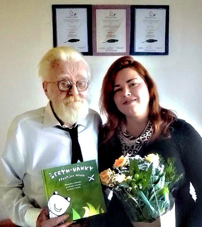 František Hynek s vnučkou Dagmar Boussida.