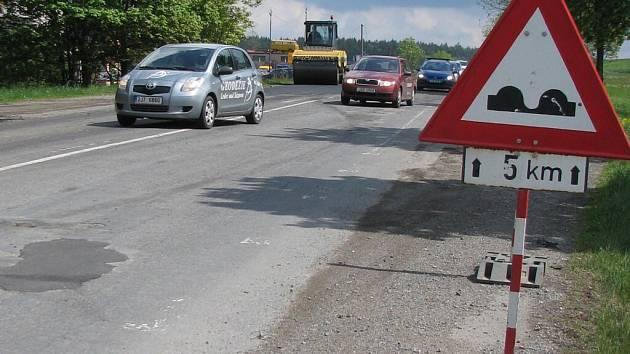 Stavební úpravy silnice I/37 vedoucí z okresního města do Ždírce nad Doubravou pokračují.