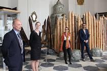Přesun exponátů z Muzea knihy po letošní sezoně do depozitu oznámil ve středu ve Žďáře ředitel Knihovny Národního muzea Martin Sekera .