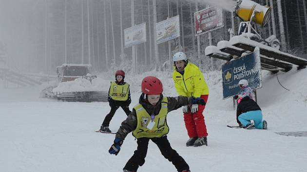 Na Vysočině začala v této zimě lyžařská sezona oproti jiným rokům později, teprve o tomto víkendu.