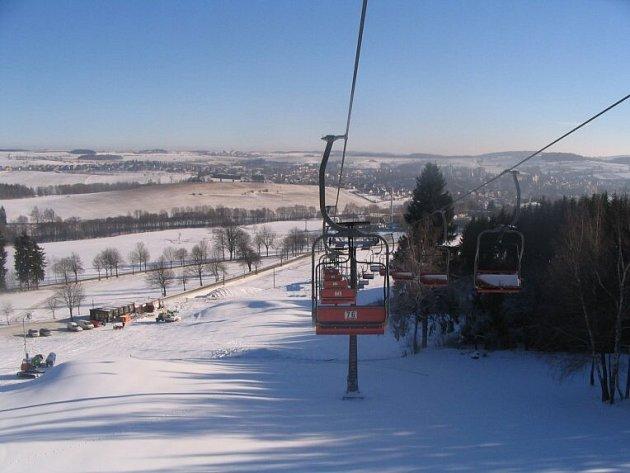 V pátek se v 8 hodin na Harusově kopci v Novém Městě na Moravě rozjede první sedačková lanovka na Vysočině.