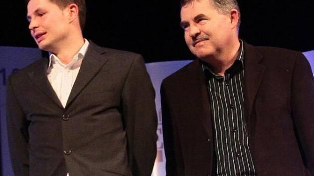 řed čtyřmi lety přebírali Lukáš a Jaroslav Michalovi cenu pro Vrchovinu v anketě o nejúspěšnější kolektiv dospělých. Nyní se v jednom klubu sejdou znovu.
