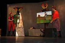 Členové Divadýlka Kuba z Plzně sehráli čtyři krátké pohádky o životě čertů, čertic a čertíků.