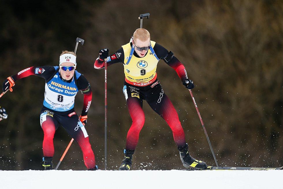 Johannes Thingnes Boe v závodu Světového poháru v biatlonu - stíhací závod mužů na 12,5 km.
