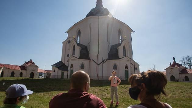 V neděli 12. dubna 2020 lidé vyrazili do přírody na Žďársku.