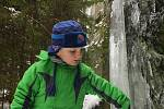 Rampouchy všech velikostí a tvarů se tvoří na skalách lomu při denním tání a následných nočních mrazech.