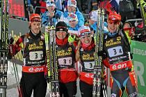 První závod MS v biatlonu v Novém Městě na Moravě. Český tým v cíli závodu štafet.