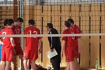 Oddychové časy meziříčského trenéra Petra Judy (vpravo) k obratu s prvním Zlínem nevedly.