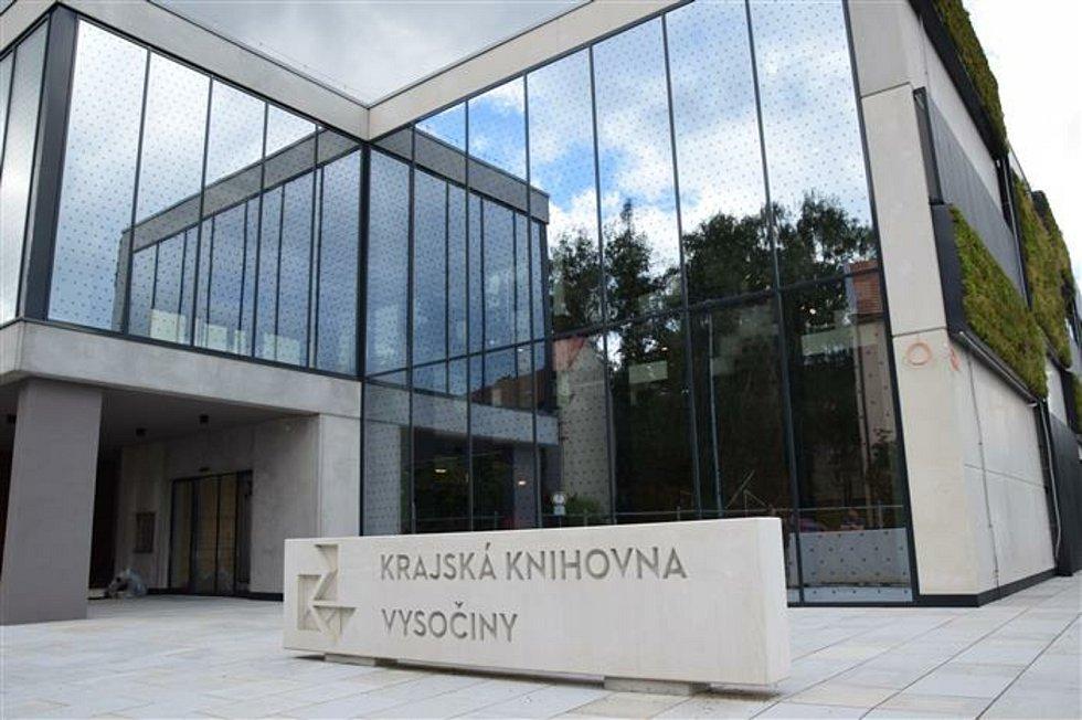 Do přehlídky stavebních realizací, kterou po devatenácté pořádal Spolek Stavba Vysočiny se přihlásilo osmnáct novostaveb a rekonstrukcí.