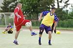Fotbalisté Diparu (v červených dresech) v sobotu nevyužili možnost poskočit na druhé místo tabulky první ligy.
