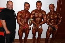 Nejúspěšnější z týmu SK Best Fitness na republikovém mistrovství v Odrách. Zleva trenér Vladimír Pajič, Filip Vastl, Milan Šádek mladší a Milan Šádek starší.