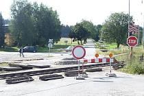 Rekonstrukce železničního přejezdu ve Veselíčku, místní části Žďáru nad Sázavou, by měla být v průběhu tohoto čtvrtka dokončena.
