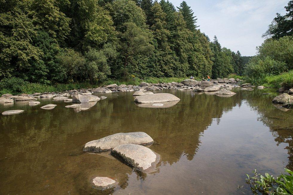 Kemp na Stvořidlech na řece Sázavě.