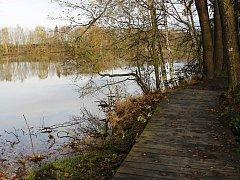 Stezka podél břehu Konventského rybníka nesoucí název Naučná stezka kolem Zelené hory byla uvedena do provozu v dubnu 2011.