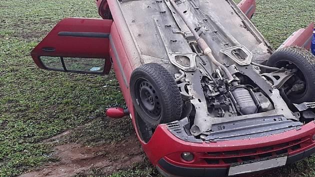 Nehoda u Ostrova nad Oslavou.
