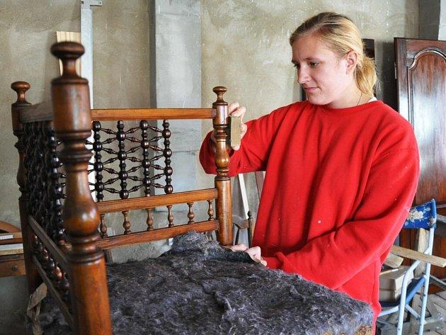 Restaurátorskou dílnu otevřou studenti přímo v prostorách velkomeziříčského zámku. Návštěvníci jim budou nahlížet pod ruce do 6. června a pak znovu v září.