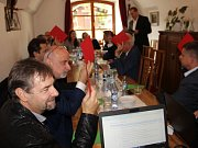 Politici odpovídají na otázky Deníku v hotelu Rytířsko.