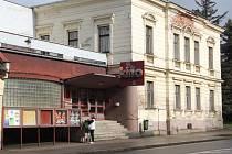 Budova bývalého kina, které bylo definitivně zavřeno.