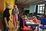 Děti rodičů začleněných do záchranného integrovaného systému mají výuku poněkud odlišnou. Starají se o ně družinářky a asistenti výuky.
