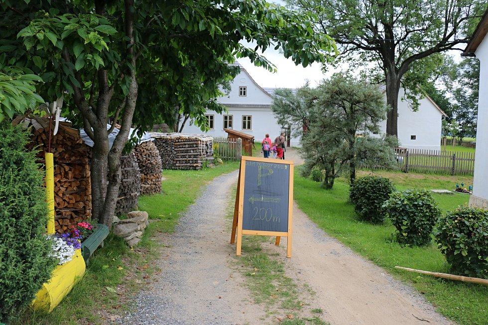 Dům přírody Žďárských vrchů vznikl ve Vesnické památkové rezervaci Krátká.