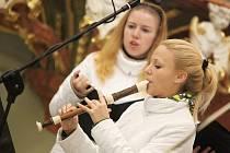 Interiér baziliky Nanebevzetí Panny Marie v zámku ve Žďáře nad Sázavou vyplnila v Den české státnosti duchovní hudba.