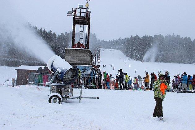 První lyžování v této sezoně na Harusově kopci.