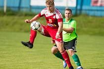 Na hráče Velkého Meziříčí (v červeném) čeká před dalším ročníkem MSFL pětice přípravných zápasů.