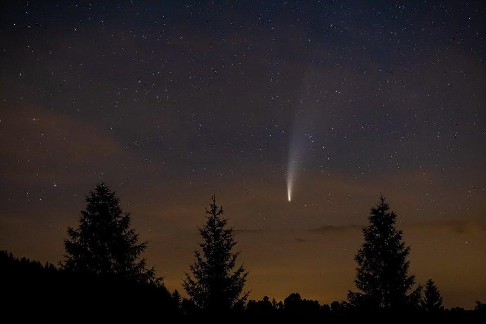 Kometa Neowise.