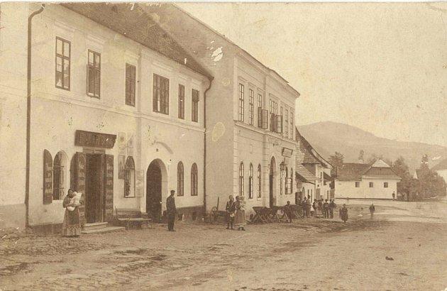 Stará radnice v Doubravníku pravděpodobně před rokem 1928.