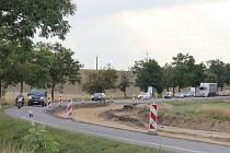 Řidiči musejí na cestě ze Žďáru směrem na Nové Město počítat s jednosměrným omezením provozu.