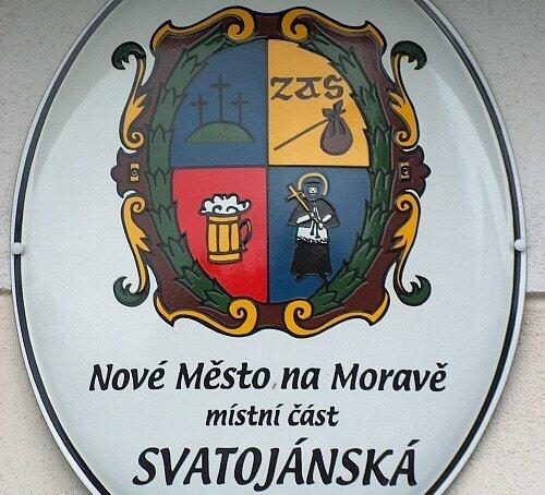 Bezvýznamná ulička v Novém Městě na Moravě má vlastní erb.