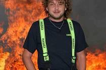 Zpěvák Dan Moravský, který se se žďárskými zámeckými hasiči seznámil jako Dalibor Janda revival, vstoupil do jejich řad a jako takzvaný Zpívající hasič začal prostřednictvím písniček propagovat myšlenku dobrovolného hasičství.
