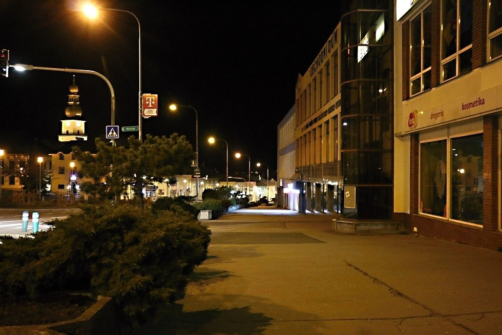 Noční Žďár a Nové Město jsou liduprázdné.