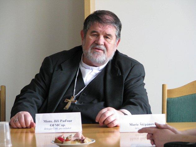 Podle delegáta Jiřího Paďoura je žďárské celostátní fórum mládeže příležitostí k dialogu mezi mladými lidmi a  představiteli církve.