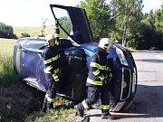 Při karambolu utrpěl zranění řidič havarovaného vozu.
