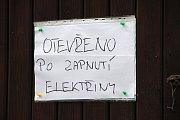 Hospoda je bez elektřiny zavřená – je v ní zima a nefunguje chlazení piva.