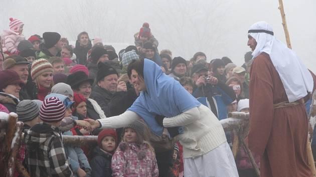 Živý betlém se v Měříně koná vždy o Štědrém dnu dopoledne a pak ještě večer.