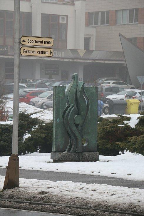 Plameny sochaře Arnošta Košíka.