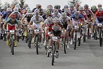 Tohle byla oslava horské cyklistiky. Do České republiky se po čtrnácti letech vrátily závody Světového poháru a návrat to byl velkolepý. Organizátoři v Novém Městě na Moravě sklízeli uznání na každém kroku, jejich úsilí vyšperkovaly úspěchy českých bikerů