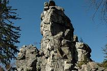 Drátník - hřebenovitý útvar asi 200 m dlouhý na vrcholu zalesněného kopce mezi obcemi Blatiny a Samotín.