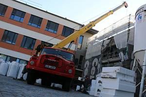 Stavba dětského pavilonu novoměstské nemocnice.
