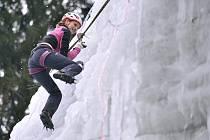 Jedna z největší umělých ledových stěn v ČR ve Víru na Žďársku hostila 14. února tři desítky horolezců na Mistrovství ČR v ledovém lezení na rychlost.